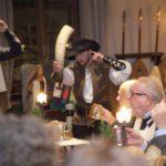schloss-auerbach-rittermahl-truthahn-herold-spektakel